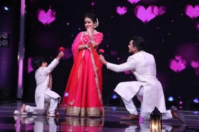 Neha Kakkar Chooses her Groom on Sa Re Ga Ma Pa Li'l Champs!