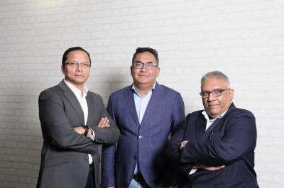 L to R : Rana Barua, Shivaji Dasgupta, Bobby Pawar