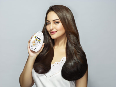 Sonakshi Sinha opens Gitanjali Group's first JewelSouk Outlet at