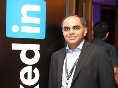 LinkedIn's Ashutosh Gupta connecting the Finance bigwigs!