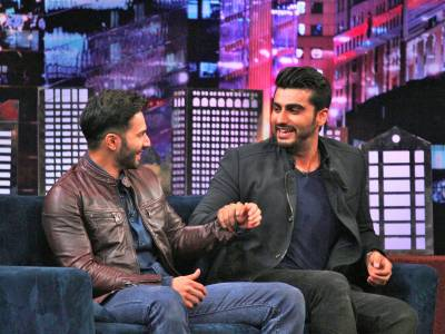 Arjun Kapoor: Varun's an attention seeker,  takes off his shirt to stay in focus!