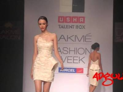 LFW Winter/Festive 2012 | Sonaakshi Raaj creates the glamour of style