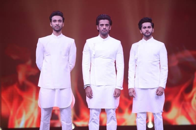 Actors say #BaatUthaoBaatBadlo at Star Parivaar Awards 2018